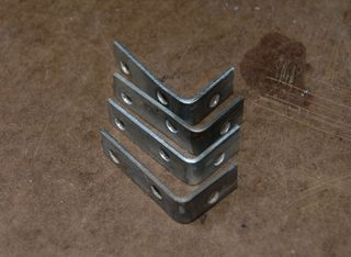 Cut-l-brackets via Modd3d_com